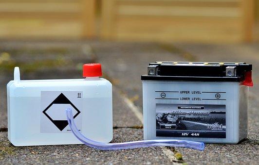 автомобилна батерия